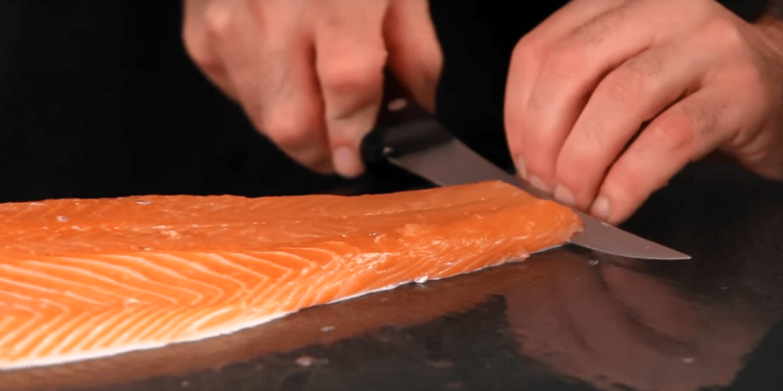 how-to-take-skin-off-salmon