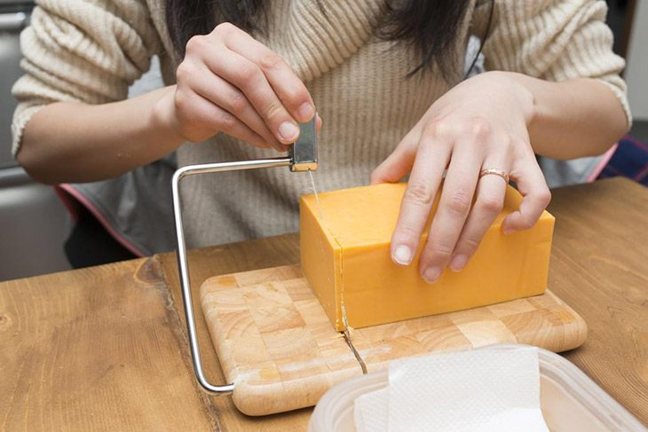 The Best Cheese Slicer For Your Dishes – 2019 Edition 10