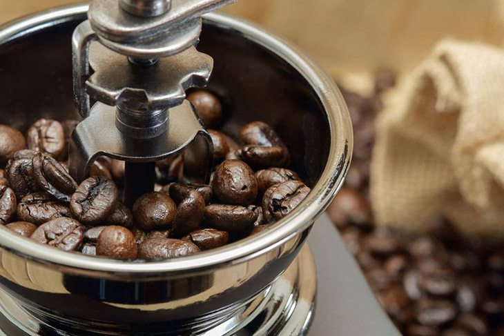 How To Choose The Best Manual Coffee Grinder On The Market 2019 12