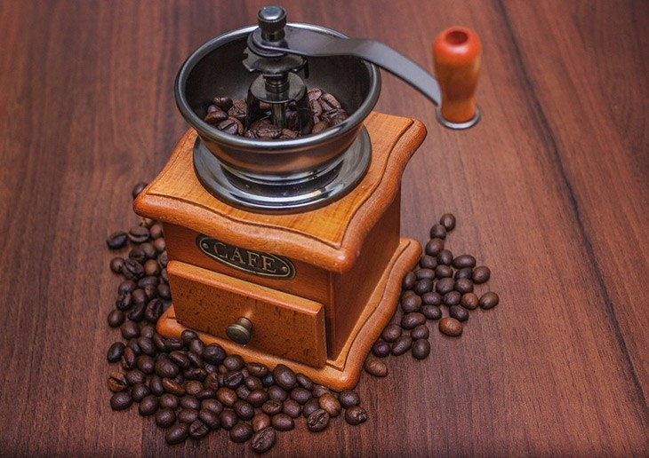 How To Choose The Best Manual Coffee Grinder On The Market 2019 14