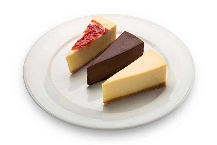 How Long Can Cheesecake Sit Out? Some Clues Will Tell You That 11