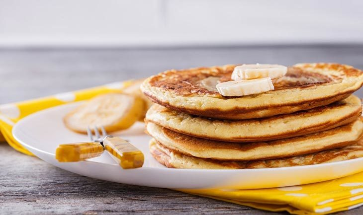 banana bisquick pancakes with peanut butter syrup vegan