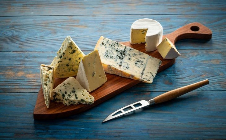 Substitute for Roquefort cheese