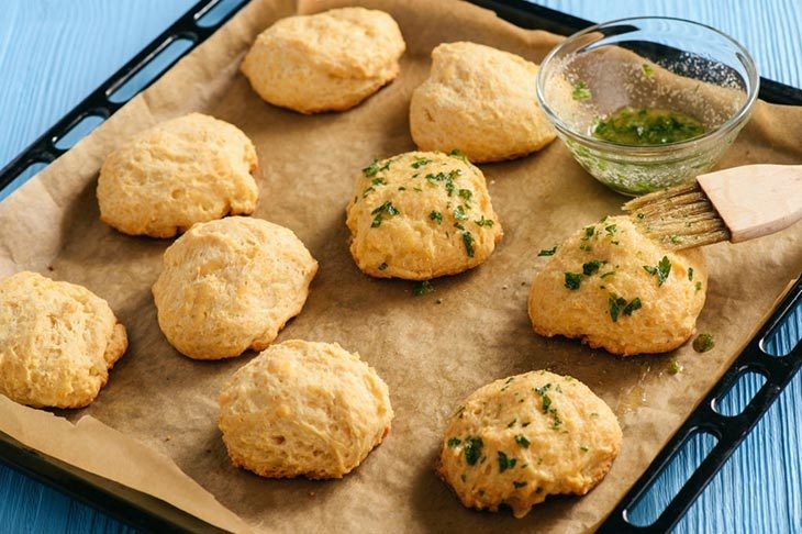 How To Make Garlic Cheddar Biscuits