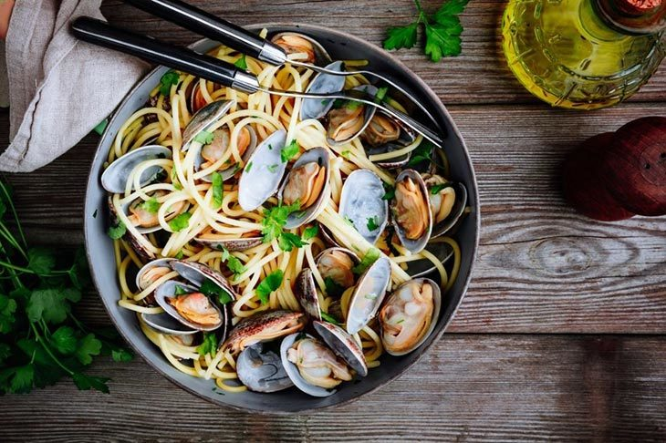 What to serve with steamed mussels