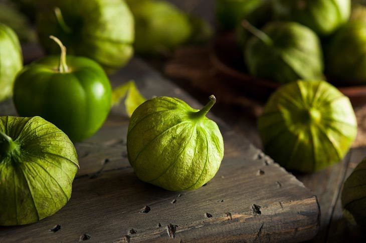 What Does A Tomatillo Taste Like
