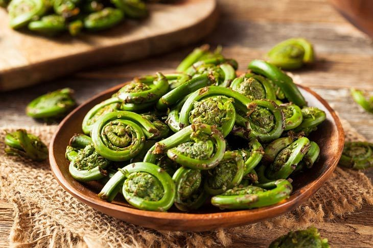 how to clean fiddleheads