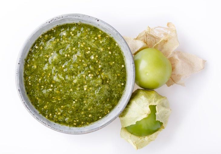 how to peel tomatillos